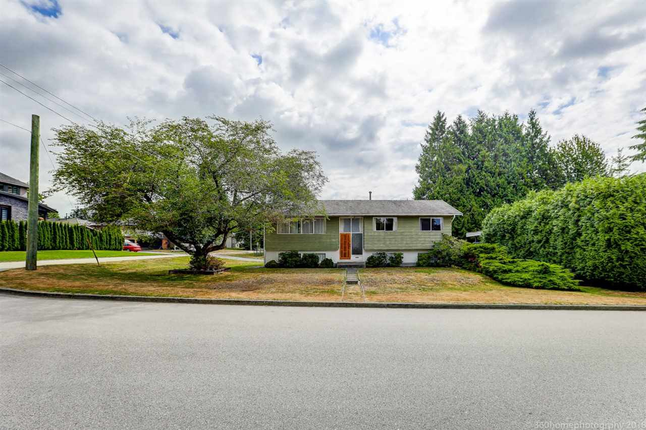 Main Photo: 443 MONTGOMERY Street in Coquitlam: Central Coquitlam House for sale : MLS®# R2292015