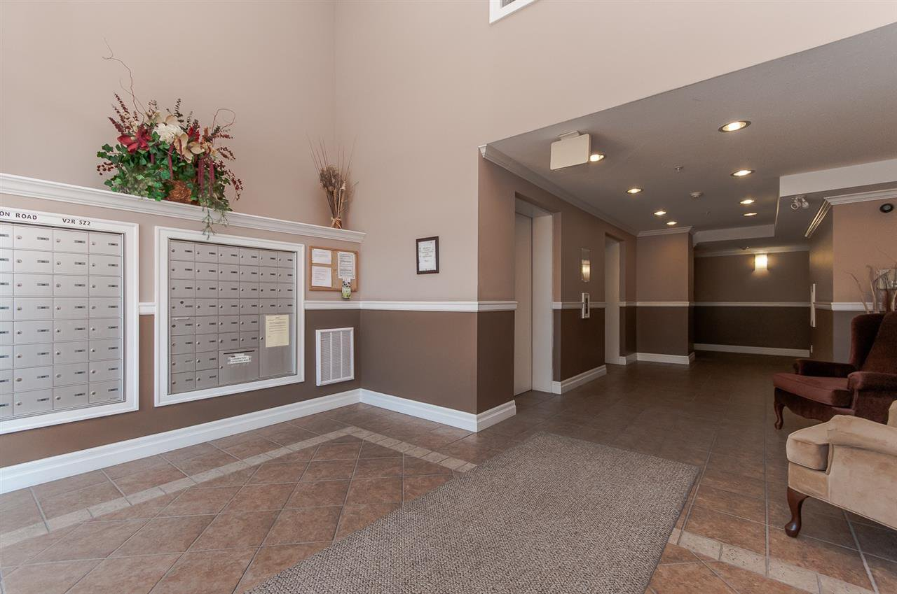 """Photo 15: Photos: 220 45769 STEVENSON Road in Sardis: Sardis East Vedder Rd Condo for sale in """"Park Place 1"""" : MLS®# R2348793"""