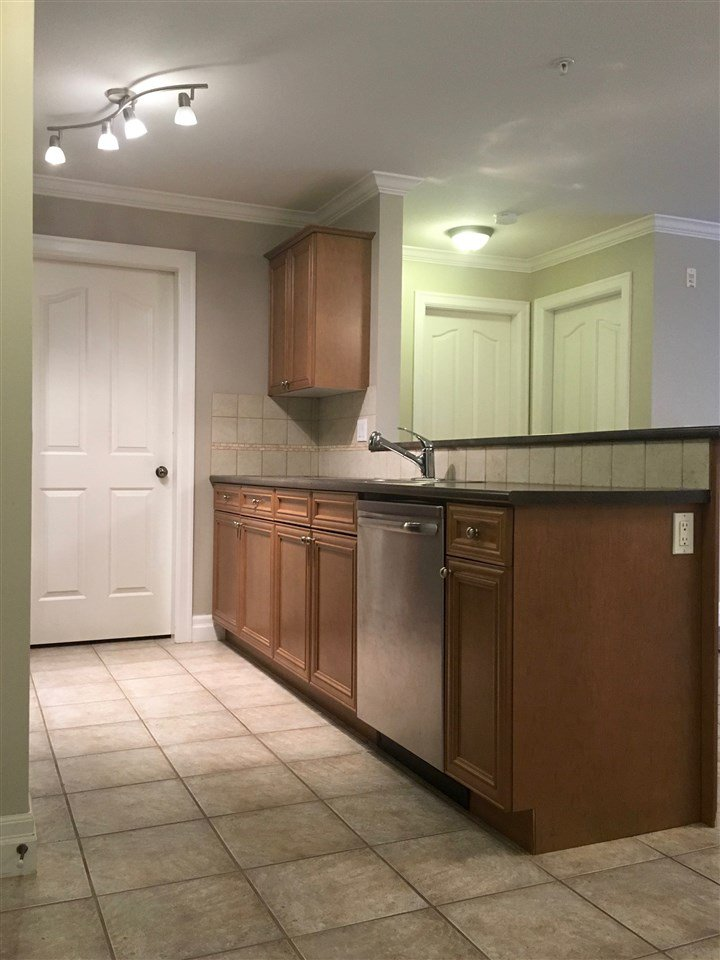 """Photo 5: Photos: 220 45769 STEVENSON Road in Sardis: Sardis East Vedder Rd Condo for sale in """"Park Place 1"""" : MLS®# R2348793"""