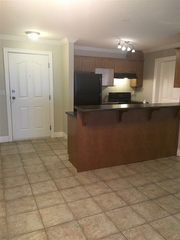 """Photo 6: Photos: 220 45769 STEVENSON Road in Sardis: Sardis East Vedder Rd Condo for sale in """"Park Place 1"""" : MLS®# R2348793"""