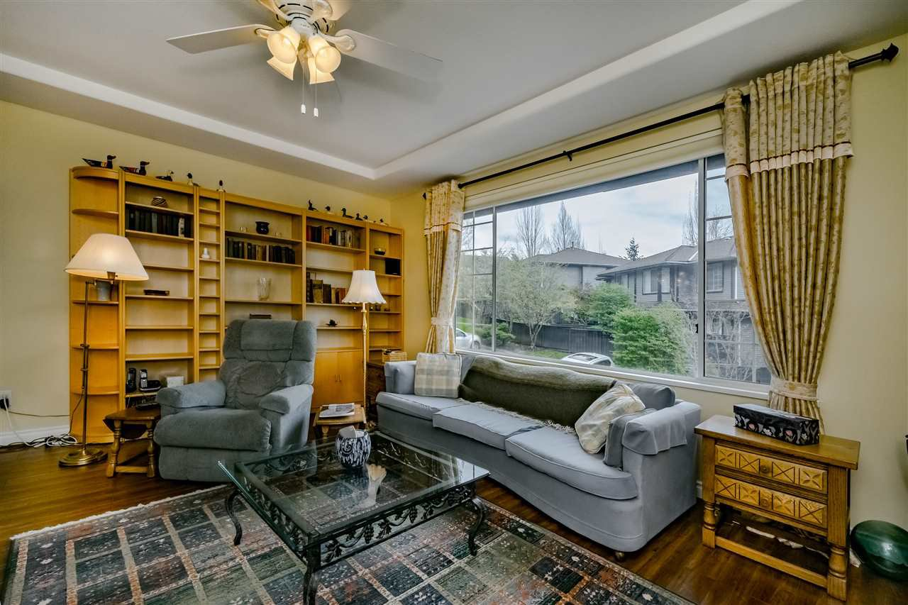 """Photo 5: Photos: 132 2998 ROBSON Drive in Coquitlam: Westwood Plateau Townhouse for sale in """"FOXRUN"""" : MLS®# R2360529"""