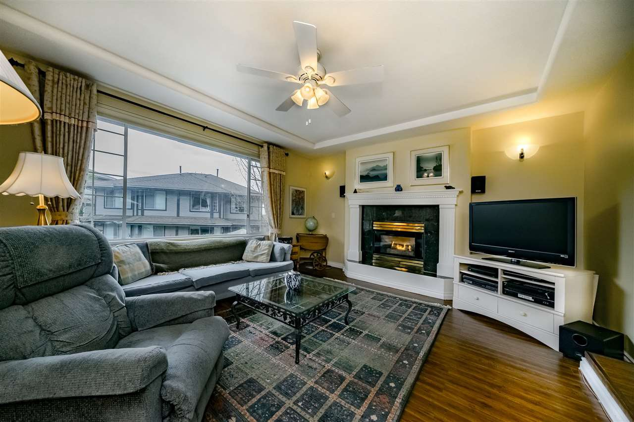 """Photo 4: Photos: 132 2998 ROBSON Drive in Coquitlam: Westwood Plateau Townhouse for sale in """"FOXRUN"""" : MLS®# R2360529"""