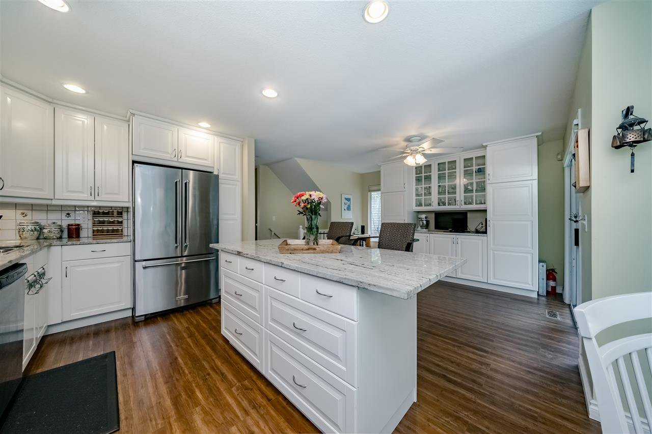 """Photo 9: Photos: 132 2998 ROBSON Drive in Coquitlam: Westwood Plateau Townhouse for sale in """"FOXRUN"""" : MLS®# R2360529"""