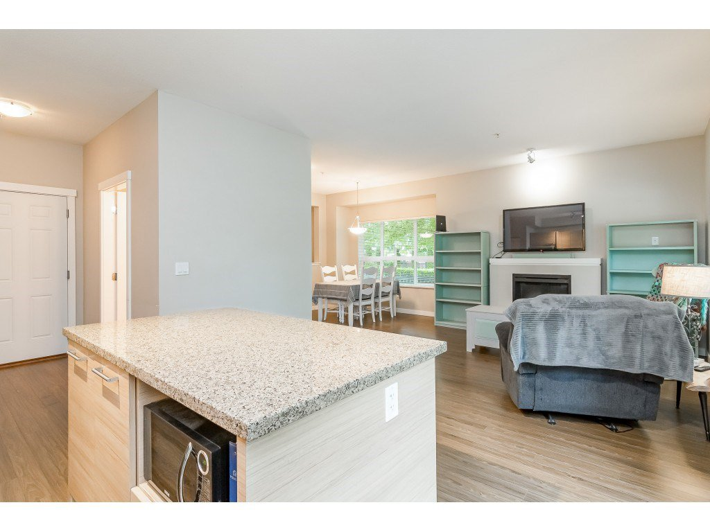 "Photo 6: Photos: 22 7938 209 Street in Langley: Willoughby Heights Townhouse for sale in ""RED MAPLE PARK"" : MLS®# R2466681"