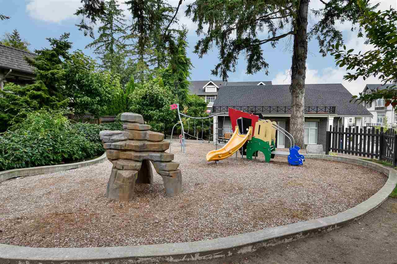 """Photo 23: Photos: 23 14377 60 Avenue in Surrey: Sullivan Station Townhouse for sale in """"Blume"""" : MLS®# R2493767"""