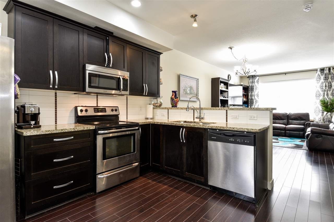 """Photo 9: Photos: 23 14377 60 Avenue in Surrey: Sullivan Station Townhouse for sale in """"Blume"""" : MLS®# R2493767"""