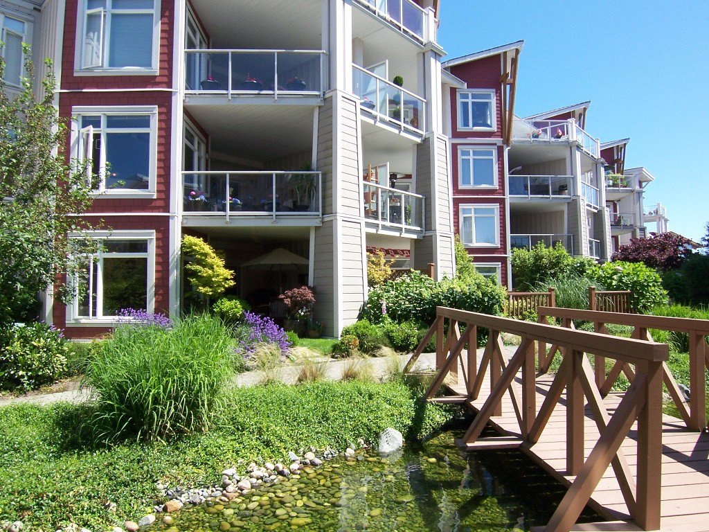 Main Photo: #106 - 4211 Bayview St. in Richmond: Steveston South Condo for sale : MLS®# V1008368