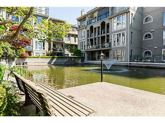 """Photo 15: Photos: 402 2 RENAISSANCE Square in New Westminster: Quay Condo for sale in """"THE LIDO"""" : MLS®# V1121816"""