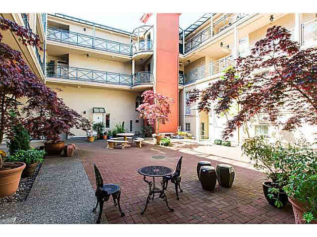 """Photo 14: Photos: 402 2 RENAISSANCE Square in New Westminster: Quay Condo for sale in """"THE LIDO"""" : MLS®# V1121816"""