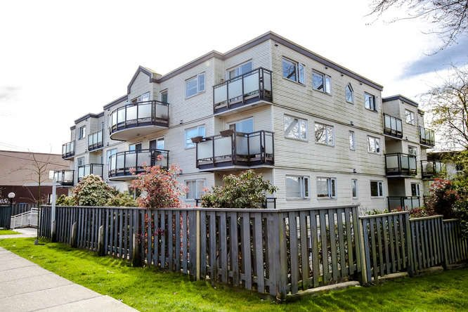 "Main Photo: 205 33 N TEMPLETON Drive in Vancouver: Hastings Condo for sale in ""33 NORTH"" (Vancouver East)  : MLS®# R2055191"