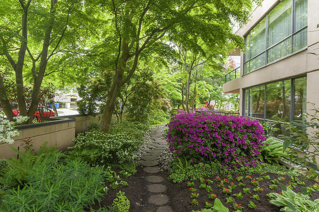 """Photo 16: Photos: 1302 2115 W 40TH Avenue in Vancouver: Kerrisdale Condo for sale in """"THE REGENCY"""" (Vancouver West)  : MLS®# R2168325"""