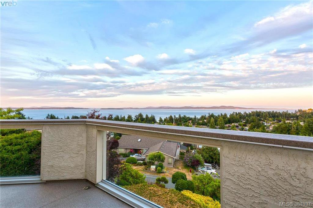 Main Photo: 4863 Stormtide Way in VICTORIA: SE Cordova Bay Single Family Detached for sale (Saanich East)  : MLS®# 381037