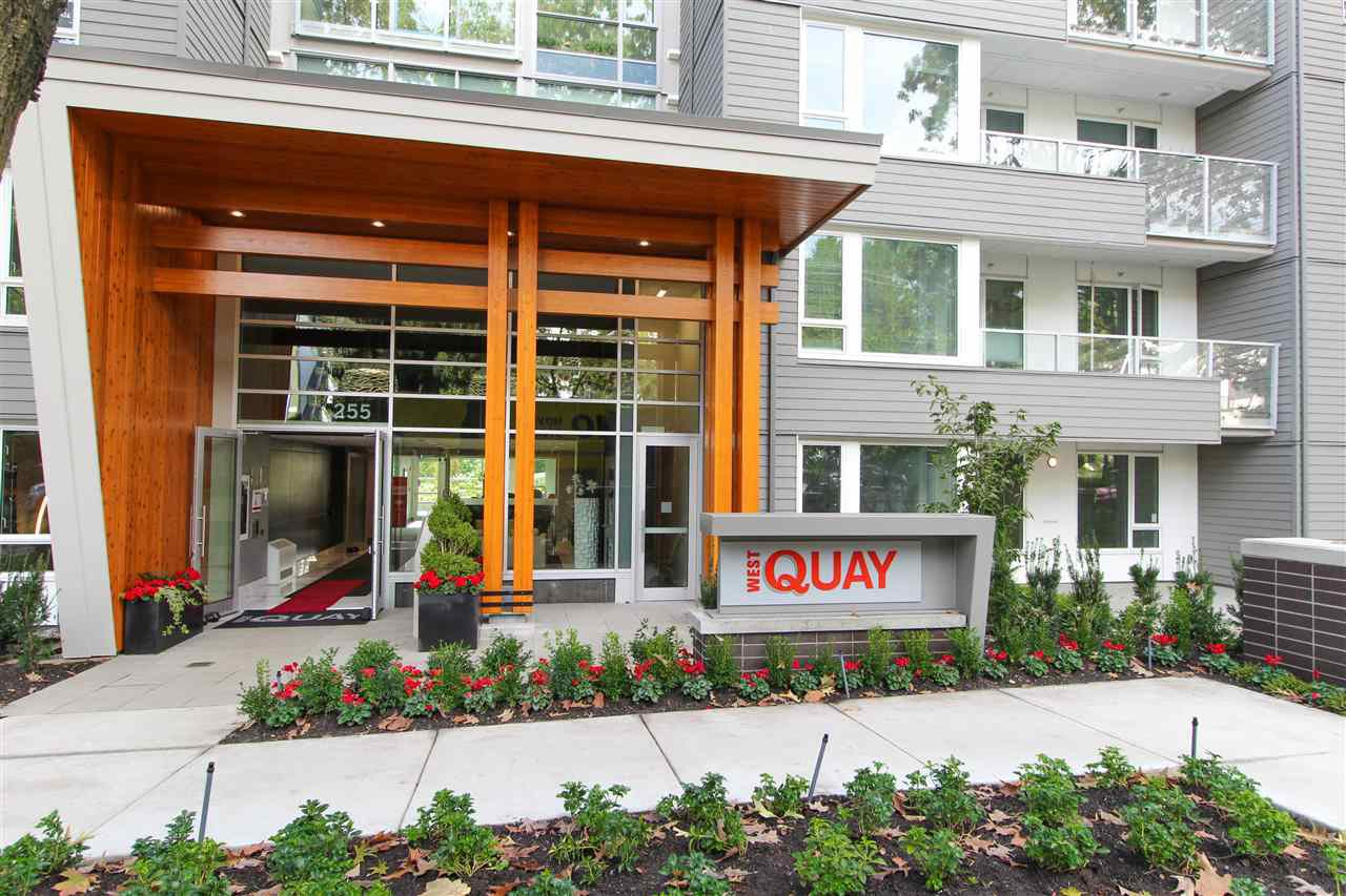 "Main Photo: 427 255 W 1ST Street in North Vancouver: Lower Lonsdale Condo for sale in ""West Quay"" : MLS®# R2213993"