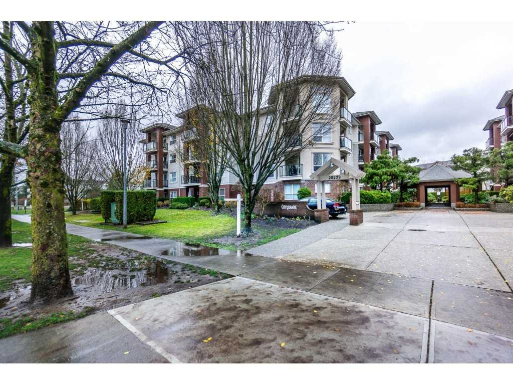 Main Photo: 110 20239 MICHAUD Crescent in Langley: Langley City Condo for sale : MLS®# R2225750
