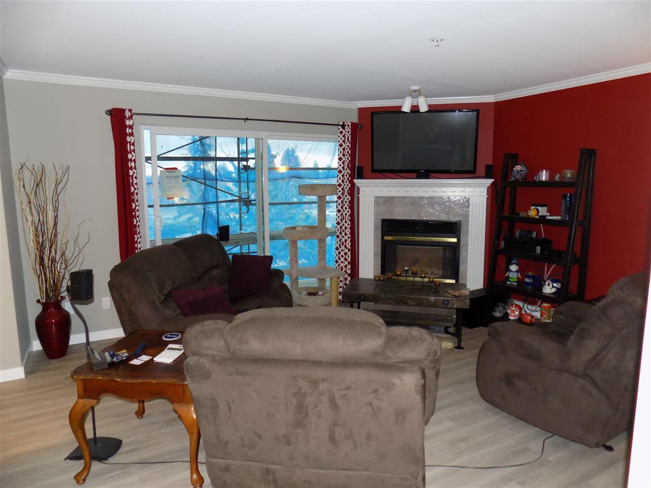 Photo 6: Photos: 311 32044 OLD YALE Road in Abbotsford: Abbotsford West Condo for sale : MLS®# R2331409