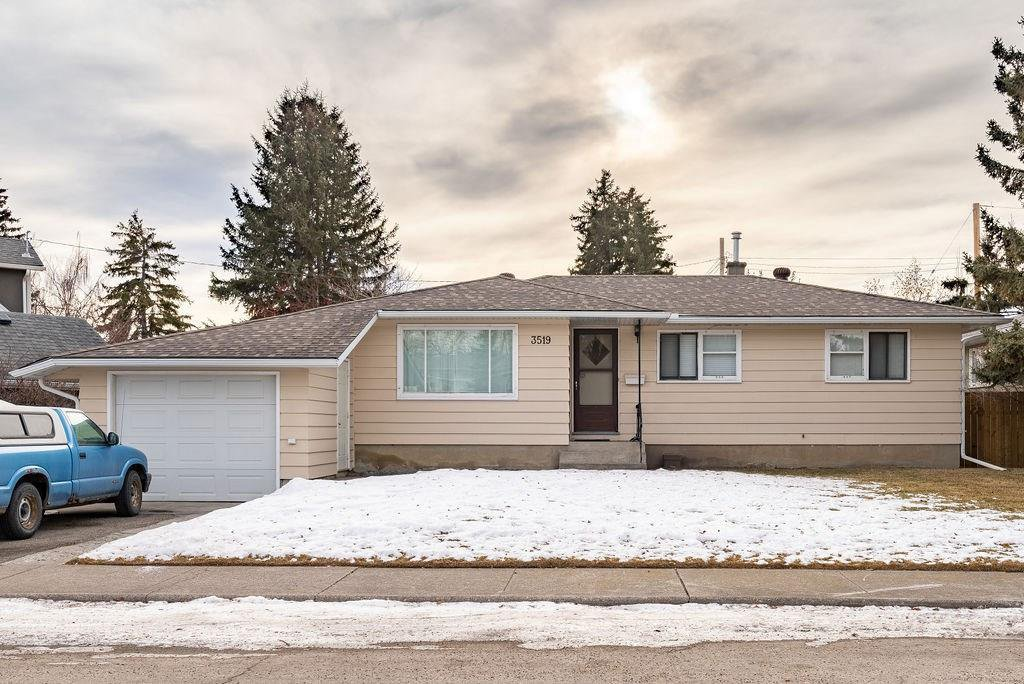 Main Photo: 3519 2 Avenue SW in Calgary: Spruce Cliff Detached for sale : MLS®# C4221648