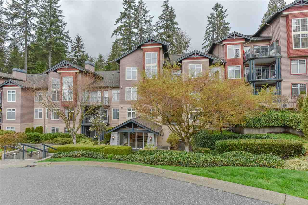 "Main Photo: 202 1144 STRATHAVEN Drive in North Vancouver: Northlands Condo for sale in ""STRATHAVEN"" : MLS®# R2358086"