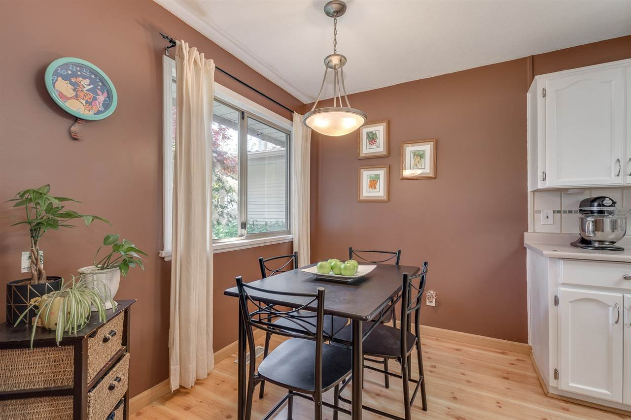 """Photo 10: Photos: 12 22280 124TH Street in Maple Ridge: West Central Townhouse for sale in """"Hillside Terrace"""" : MLS®# R2365433"""