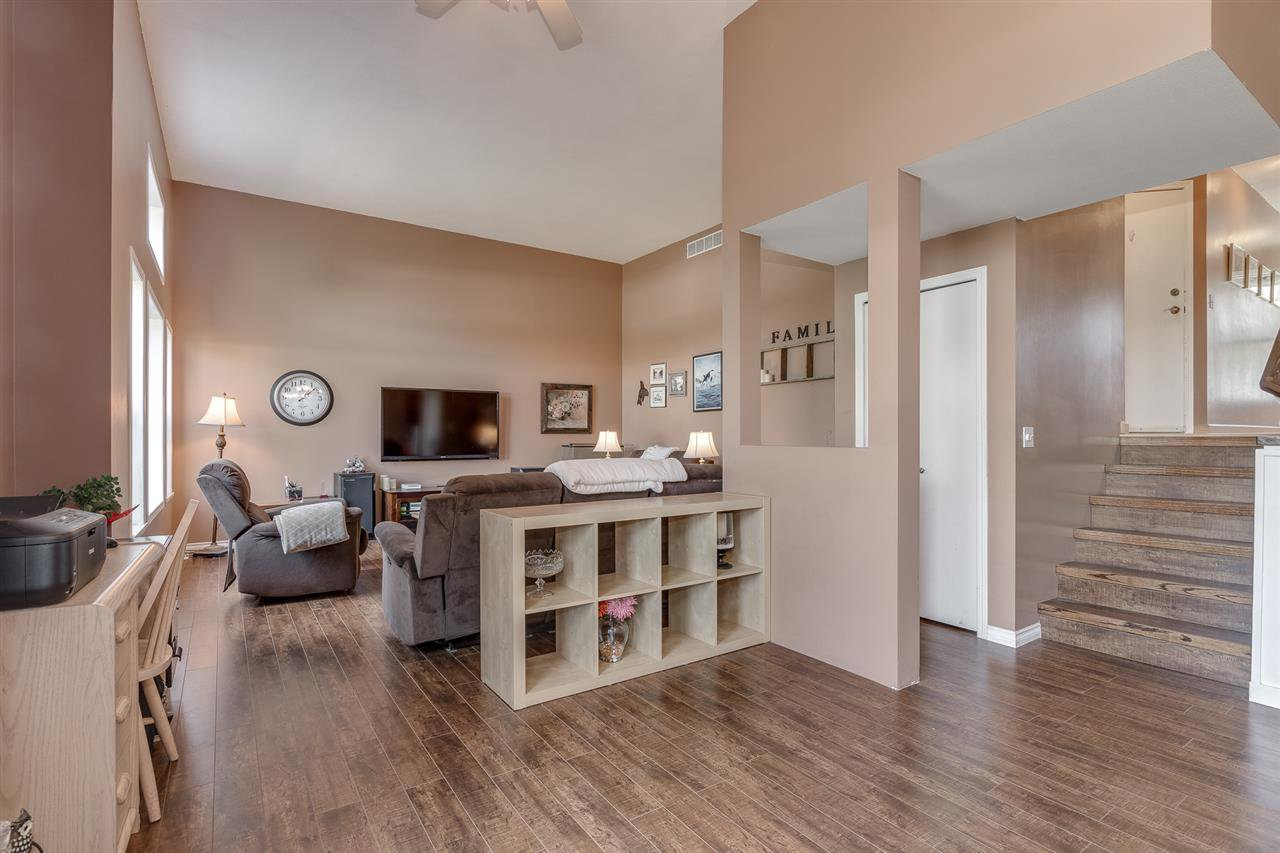 """Photo 3: Photos: 12 22280 124TH Street in Maple Ridge: West Central Townhouse for sale in """"Hillside Terrace"""" : MLS®# R2365433"""