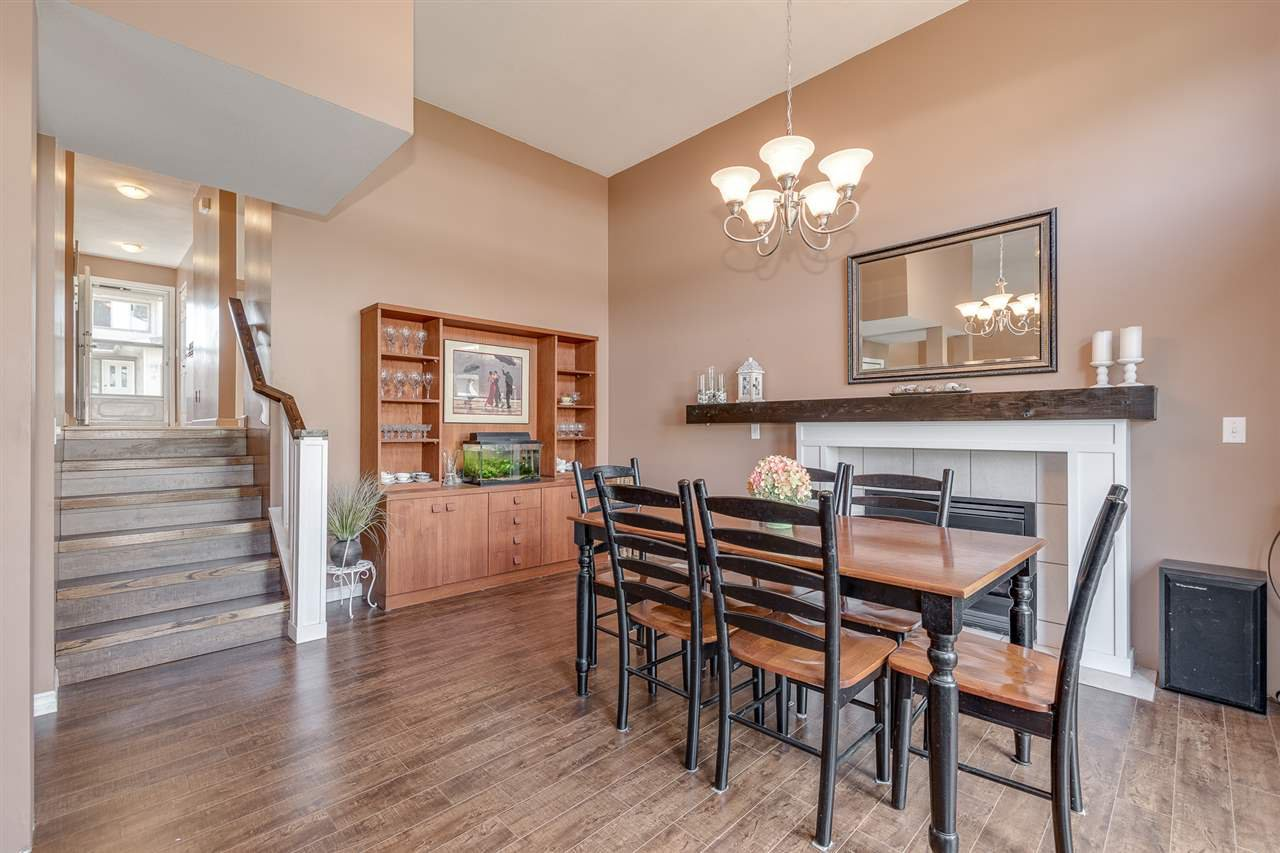 """Photo 5: Photos: 12 22280 124TH Street in Maple Ridge: West Central Townhouse for sale in """"Hillside Terrace"""" : MLS®# R2365433"""