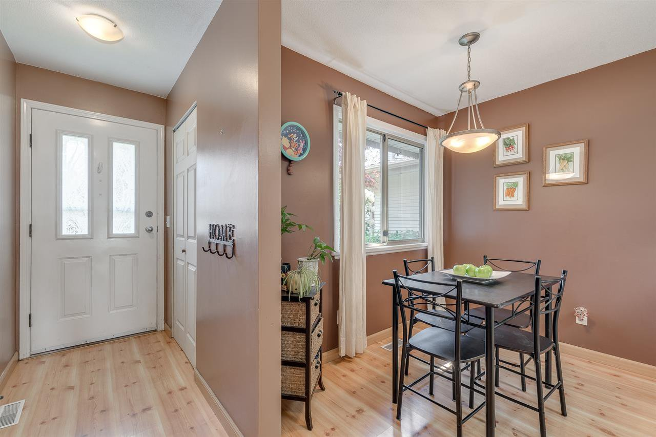 """Photo 11: Photos: 12 22280 124TH Street in Maple Ridge: West Central Townhouse for sale in """"Hillside Terrace"""" : MLS®# R2365433"""