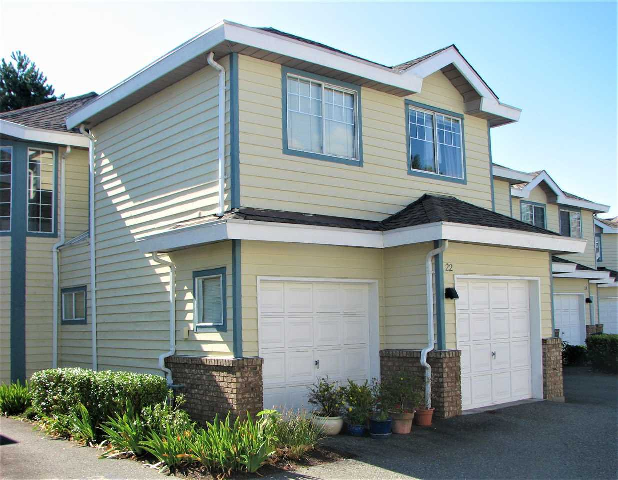 """Main Photo: 22 8551 GENERAL CURRIE Road in Richmond: Brighouse South Townhouse for sale in """"THE CRESCENT"""" : MLS®# R2387071"""