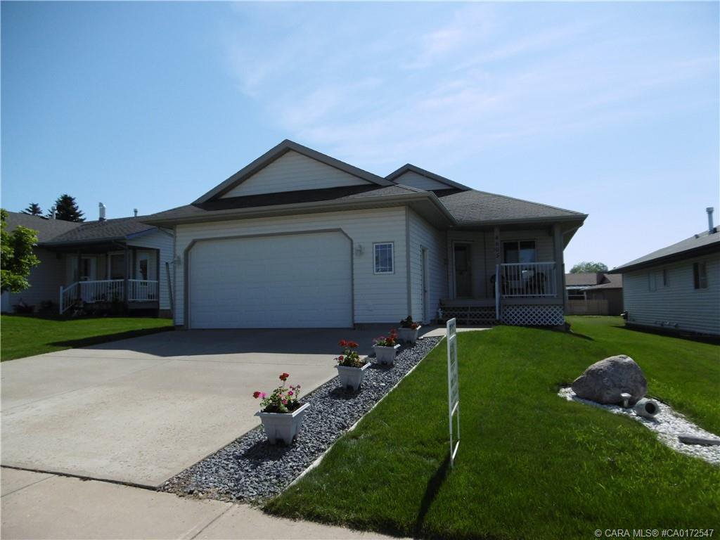 Main Photo: 4605 RimWest Crescent in Rimbey: RY Rimbey Residential for sale (Ponoka County)  : MLS®# CA0172547