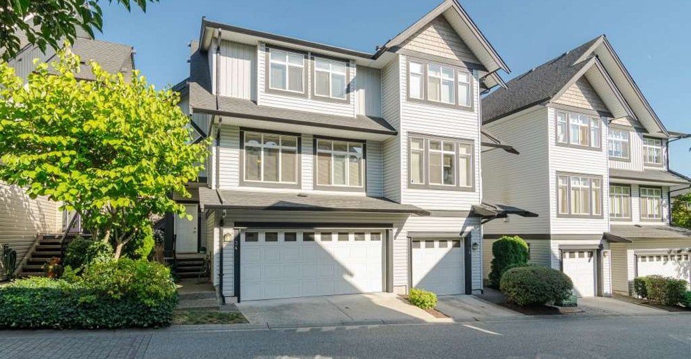 Main Photo: 34 -19932 70av in Langley: Willoughby Heights Townhouse for sale : MLS®# R2402635