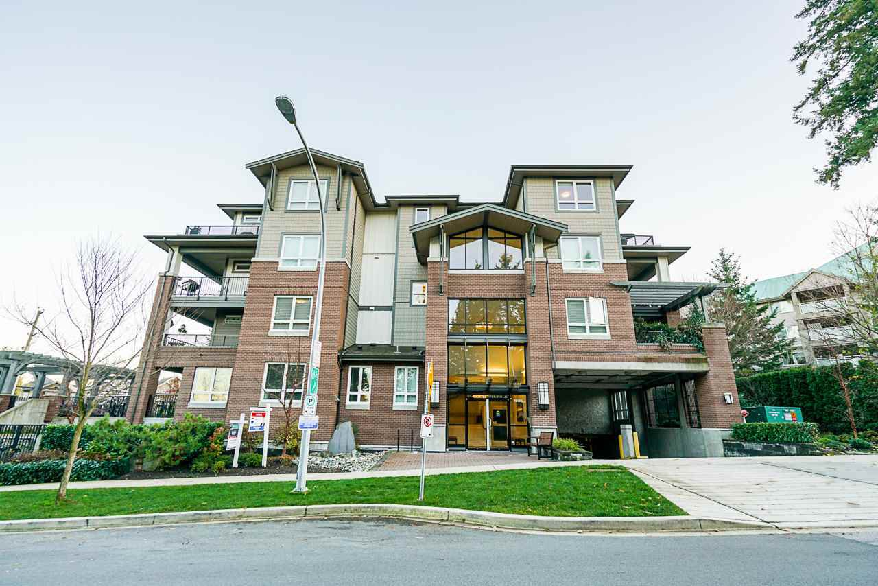 Main Photo: 106 15188 29A Avenue in Surrey: King George Corridor Condo for sale (South Surrey White Rock)  : MLS®# R2435121