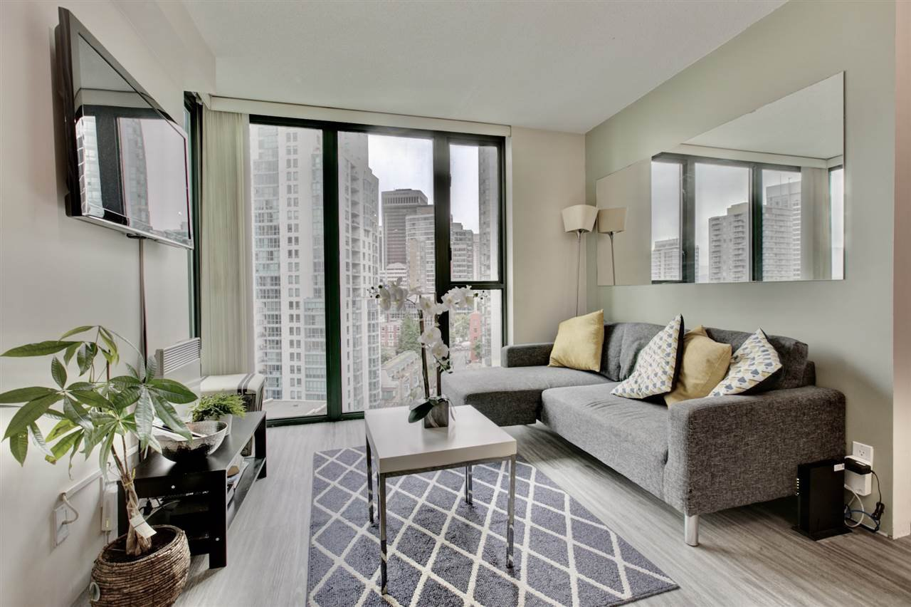 "Main Photo: 1501 1331 W GEORGIA Street in Vancouver: Coal Harbour Condo for sale in ""THE POINTE"" (Vancouver West)  : MLS®# R2499099"