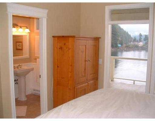 "Photo 3: Photos: 1510 TIDEVIEW RD in Gibsons: Gibsons & Area House for sale in ""LANGDALE"" (Sunshine Coast)  : MLS®# V559961"