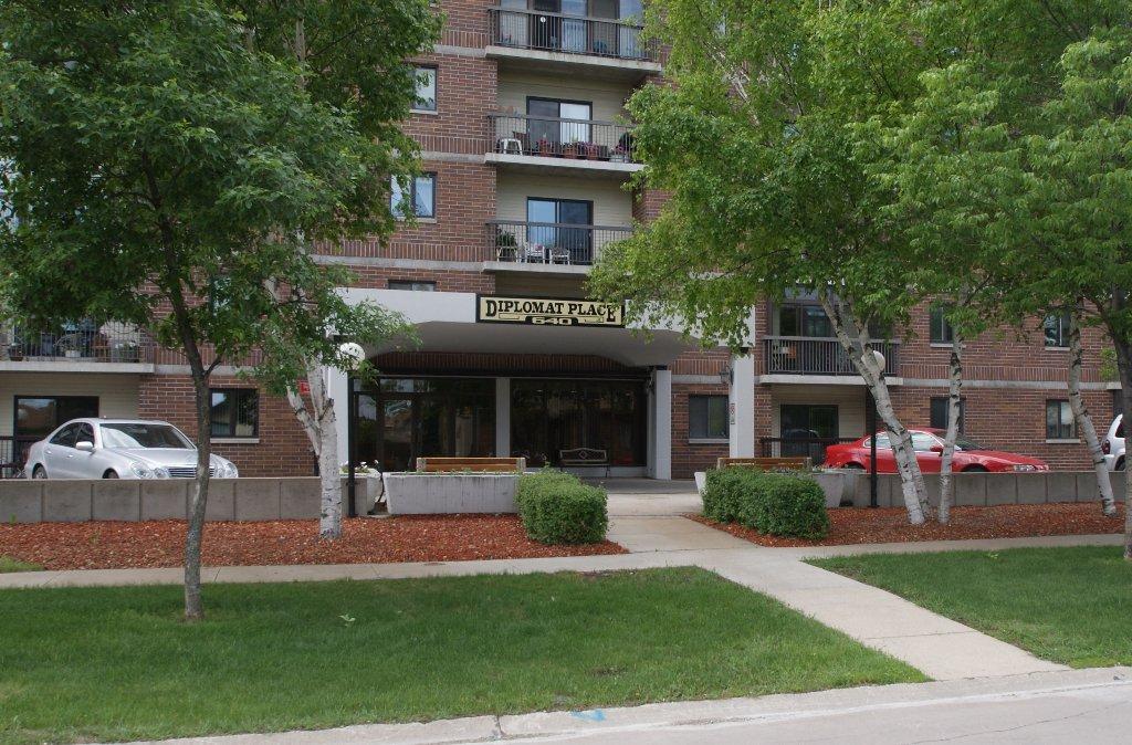 Main Photo: 210-640 Mathias Ave in Winnipeg: West Kildonan / Garden City Condominium for sale (North West Winnipeg)  : MLS®# 1212025