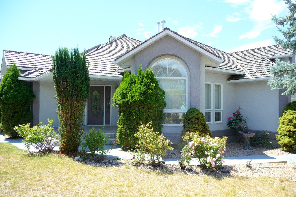 Main Photo: 722 Armstrong Drive in Penticton: Residential Detached for sale : MLS®# 143991