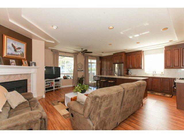 Photo 6: Photos: 6310 190TH Street in Surrey: Cloverdale BC House for sale (Cloverdale)  : MLS®# F1433344