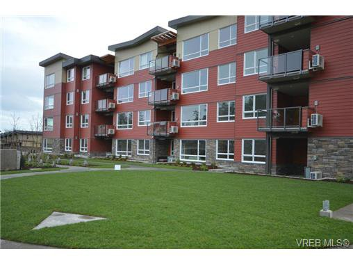 Main Photo: 102 300 Belmont Rd in VICTORIA: Co Colwood Corners Condo for sale (Colwood)  : MLS®# 729853