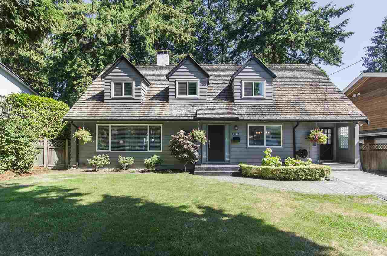 Main Photo: 2704 AILSA Crescent in North Vancouver: Lynn Valley House for sale : MLS®# R2105545