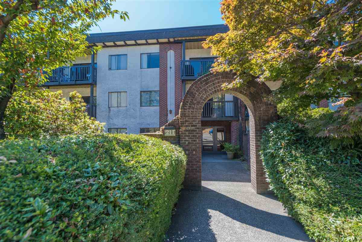 Main Photo: 107 211 W 3RD Street in North Vancouver: Lower Lonsdale Condo for sale : MLS®# R2199990