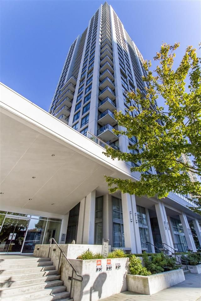 "Main Photo: 908 2979 GLEN Drive in Coquitlam: North Coquitlam Condo for sale in ""ALTAMONTE"" : MLS®# R2210617"