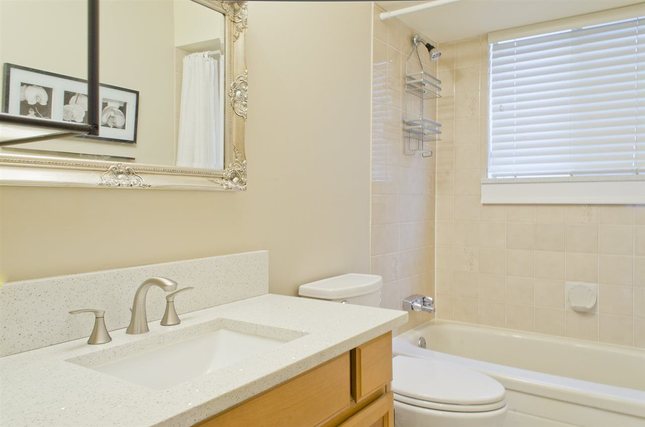 Photo 13: Photos: 2324 STAFFORD Avenue in Port Coquitlam: Mary Hill House for sale : MLS®# R2234789