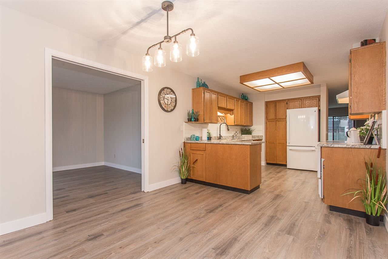 """Main Photo: 38 32718 GARIBALDI Drive in Abbotsford: Abbotsford West Townhouse for sale in """"Fircrest"""" : MLS®# R2235064"""
