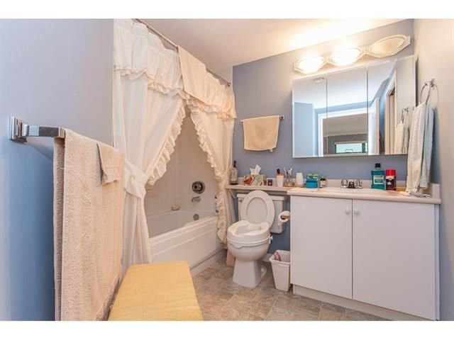 """Photo 15: Photos: 802 32440 SIMON Avenue in Abbotsford: Abbotsford West Condo for sale in """"Trethewey Tower"""" : MLS®# R2241198"""