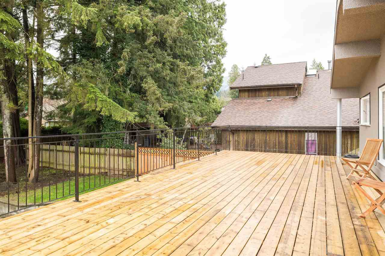 Photo 16: Photos: 2403 WILLIAM Avenue in North Vancouver: Lynn Valley House for sale : MLS®# R2258999