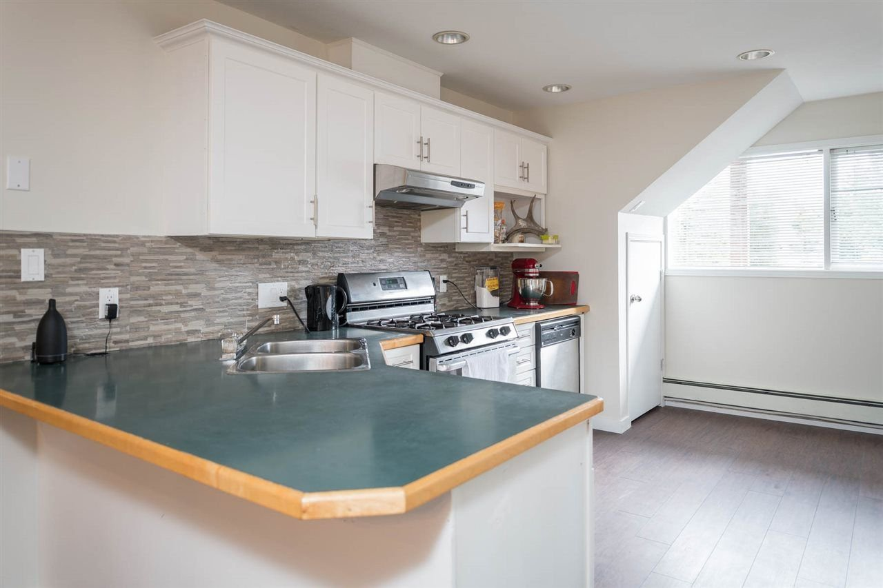 Photo 7: Photos: 2403 WILLIAM Avenue in North Vancouver: Lynn Valley House for sale : MLS®# R2258999