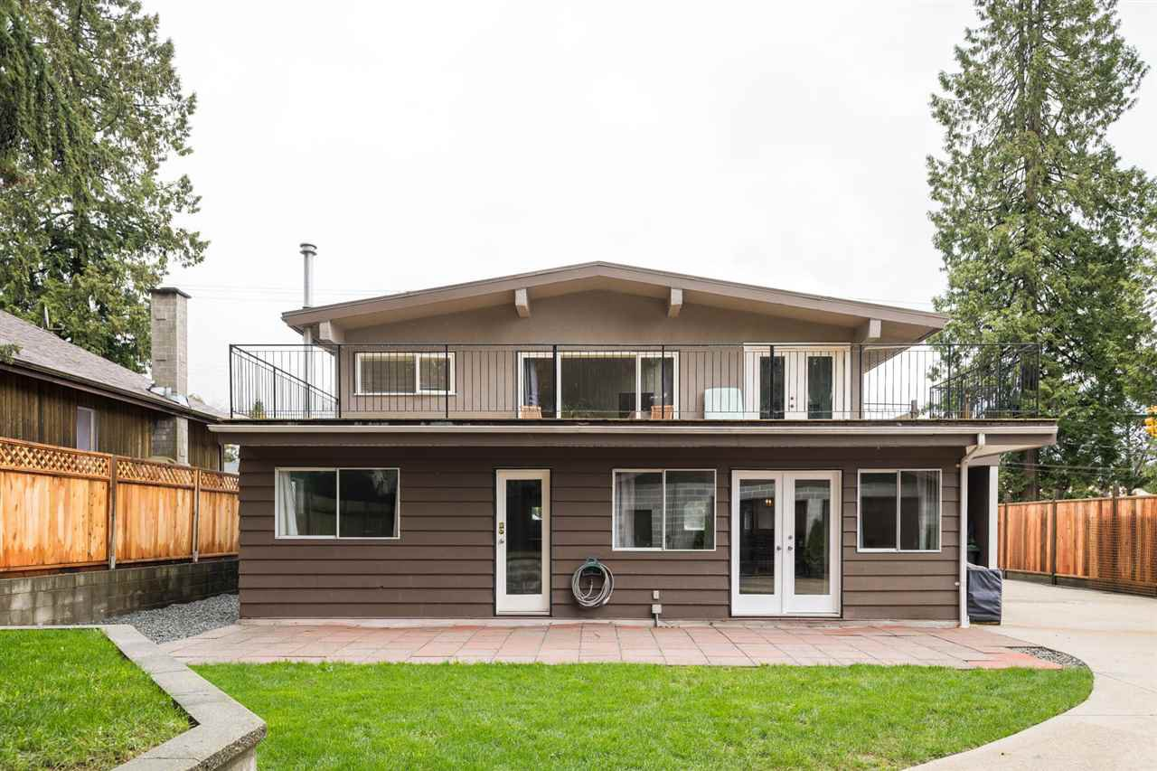 Photo 18: Photos: 2403 WILLIAM Avenue in North Vancouver: Lynn Valley House for sale : MLS®# R2258999