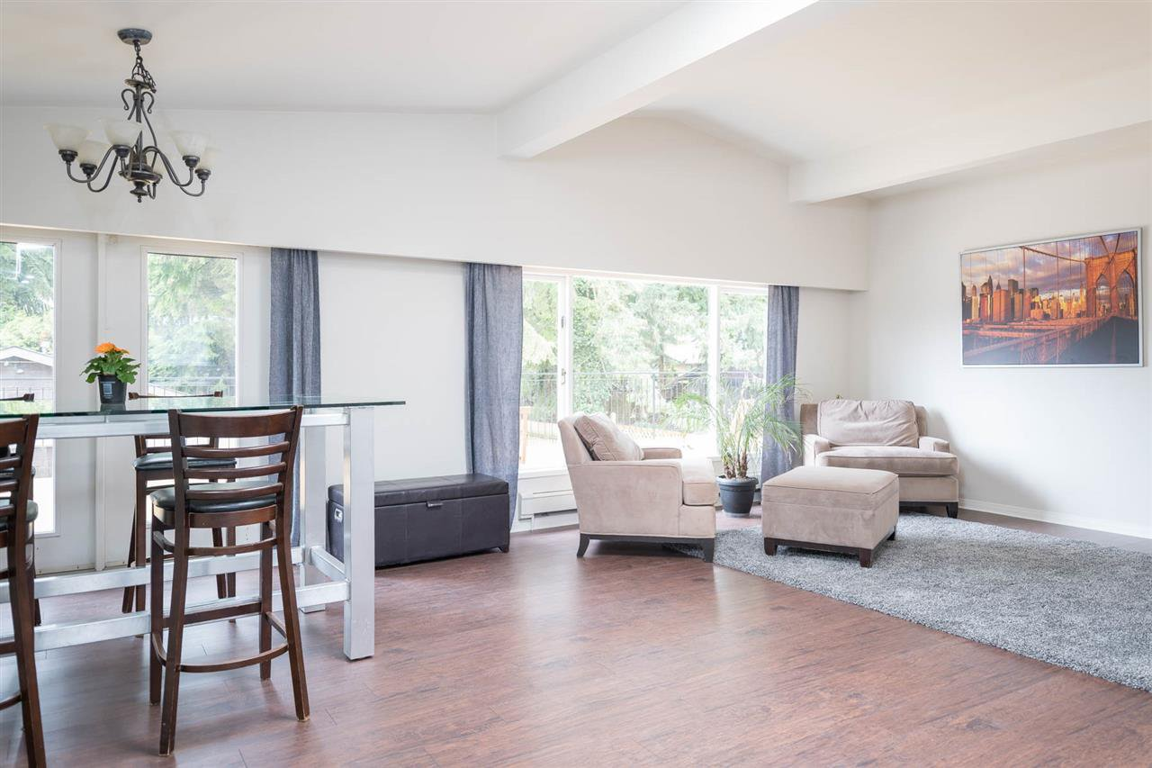 Photo 10: Photos: 2403 WILLIAM Avenue in North Vancouver: Lynn Valley House for sale : MLS®# R2258999
