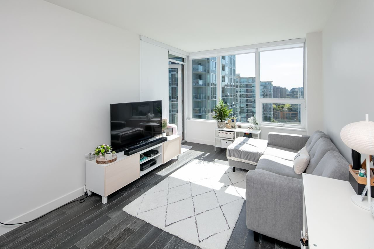 """Photo 6: Photos: 1509 7468 LANSDOWNE Road in Richmond: Brighouse Condo for sale in """"CADENCE BY CRESSEY"""" : MLS®# R2269074"""