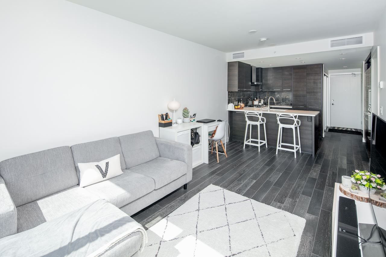 """Photo 7: Photos: 1509 7468 LANSDOWNE Road in Richmond: Brighouse Condo for sale in """"CADENCE BY CRESSEY"""" : MLS®# R2269074"""