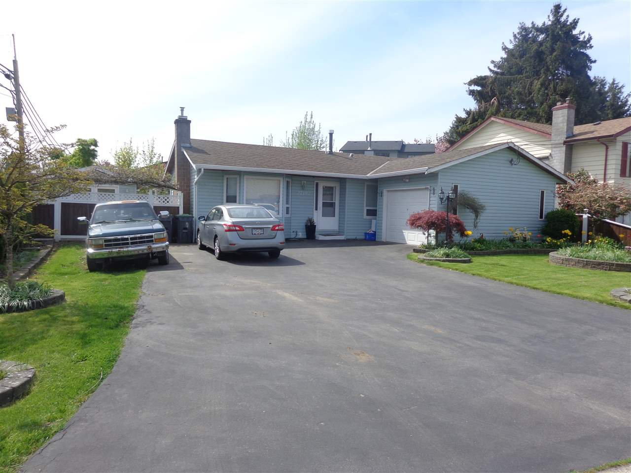 Main Photo: 27192 34 Avenue in Langley: Aldergrove Langley House for sale : MLS®# R2271507