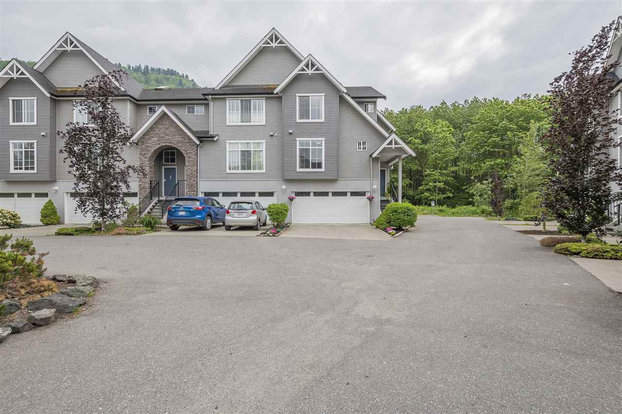 """Main Photo: 45 5965 JINKERSON Road in Sardis: Promontory Townhouse for sale in """"Eagleview Ridge"""" : MLS®# R2277372"""