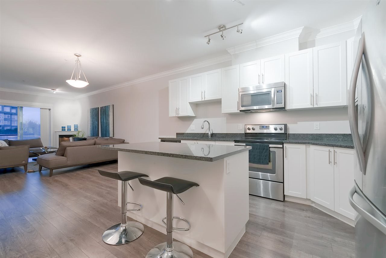 """Main Photo: 207 11580 223 Street in Maple Ridge: West Central Condo for sale in """"RIVERS EDGE"""" : MLS®# R2325382"""